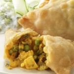 4 Vegetable Samosas (v)