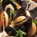 Mussels in garlic butter, white wine and fresh parsley